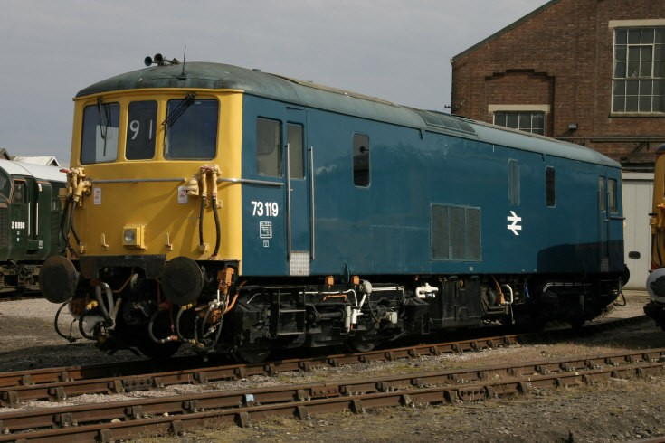 73119 at Eastleigh