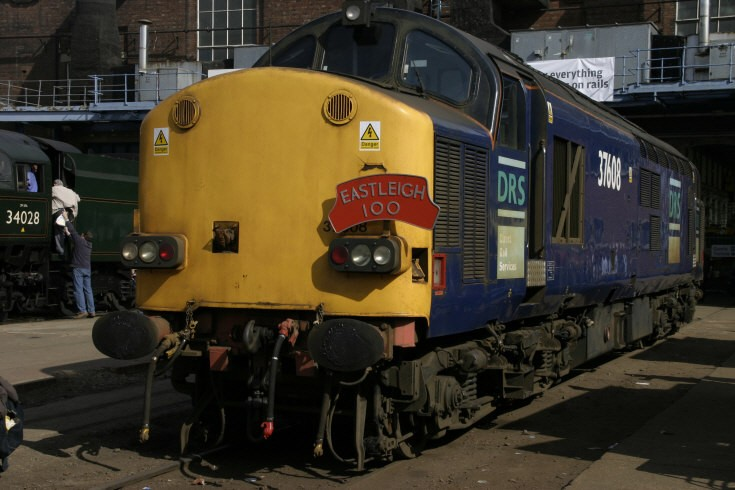 37608 at Eastleigh