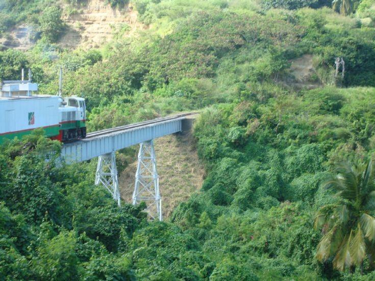 ST Kitts scenic train