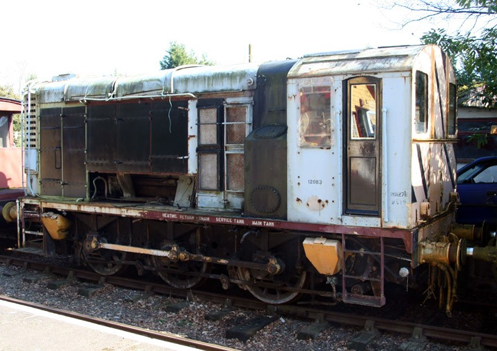 Class 11 diesel-electric shunter 12083