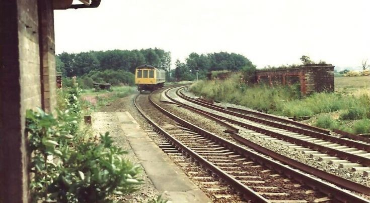 Appleby, Lincs 1980 with Derby dmu heading East