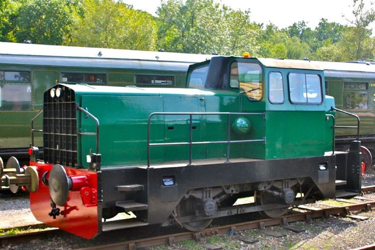Bluebell Railway Sentinel shunter 10241
