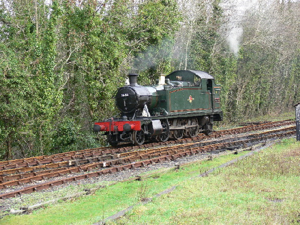 5552 running round her train at Bodmin Parkway