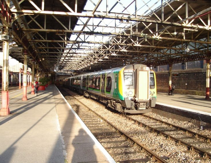 11:33 London Midland Service to Euston