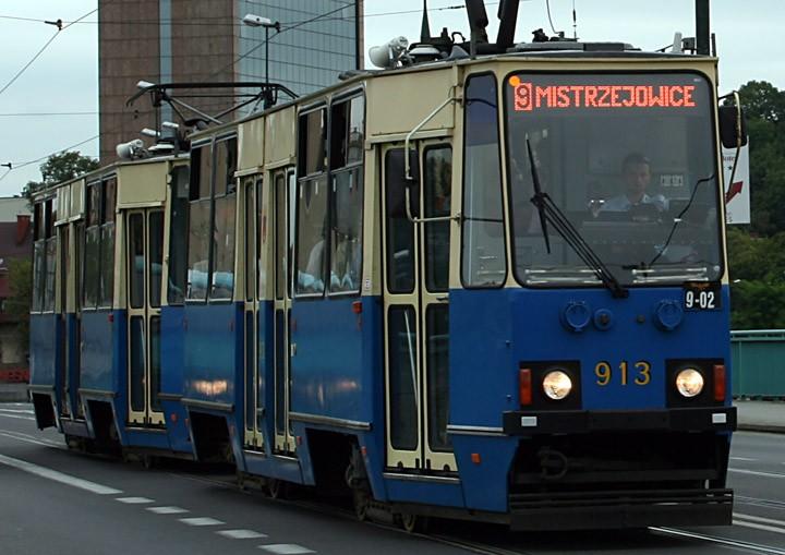 Konstal 105Na tram no. 913