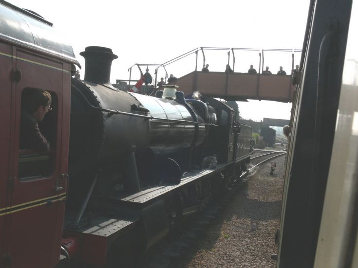 3850 arrives at Williton