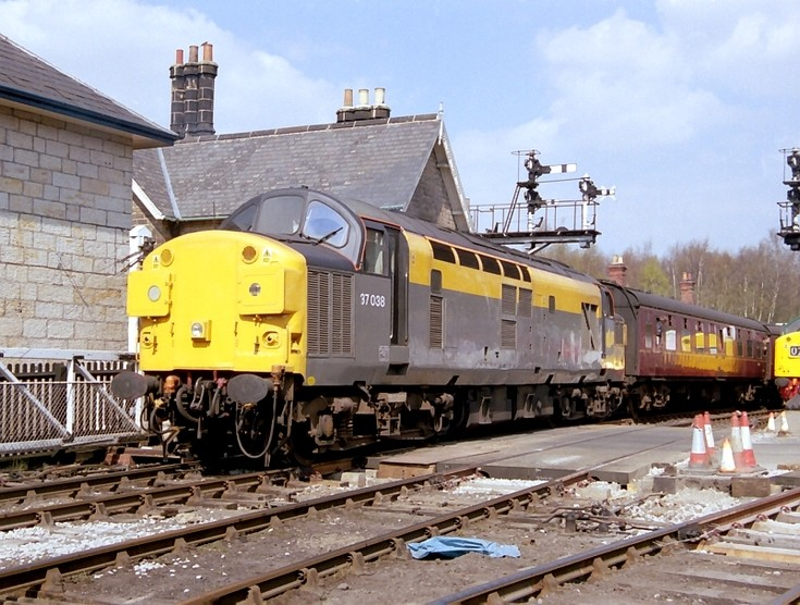 37038 on the NYMR