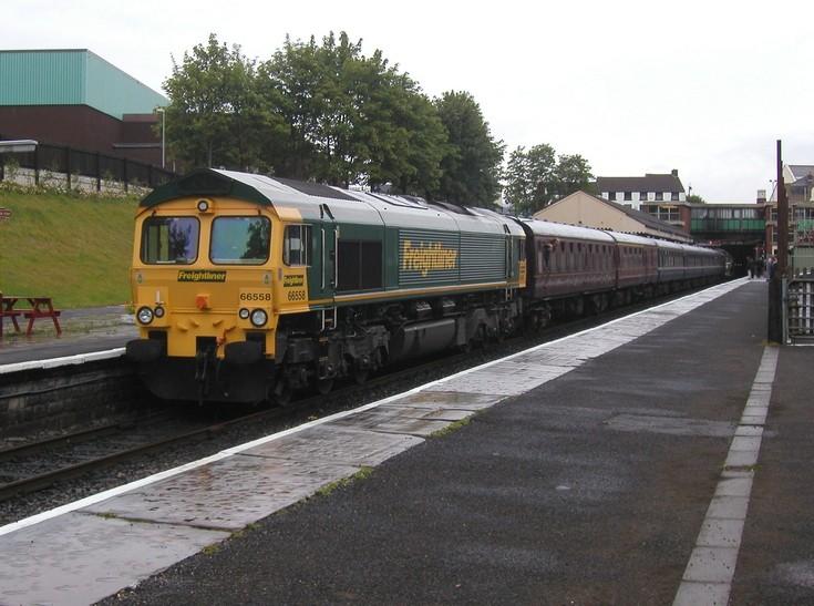 Freightliner 66558