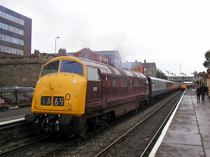 D832 At Bury