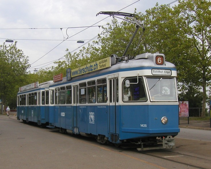 VBZ tram 1425