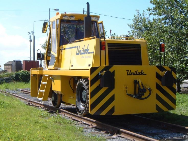 UNILOK E-55s Rear on the tracks