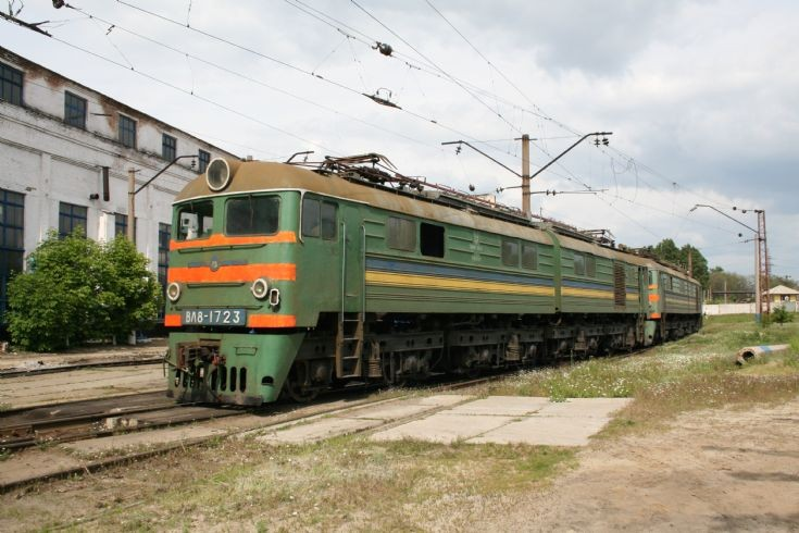 VL8 1723 at Dnepropetrovsk Uzel depot