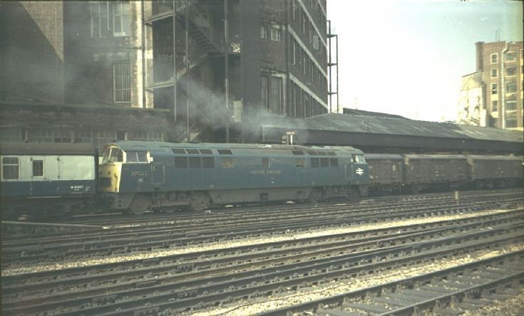 D1060 Western Dominion at Paddington