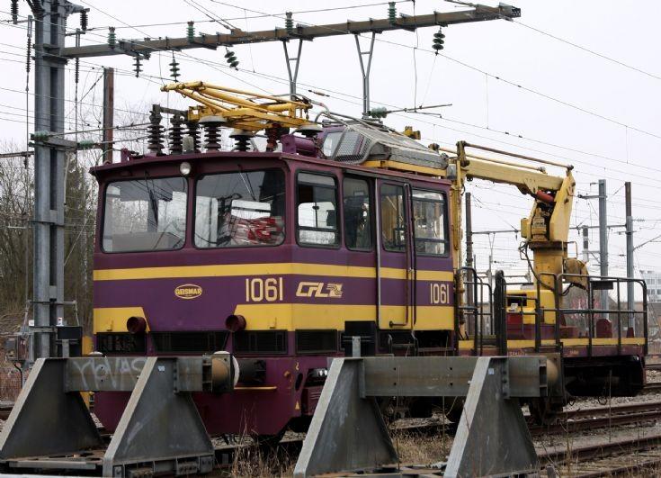 CFL 1061