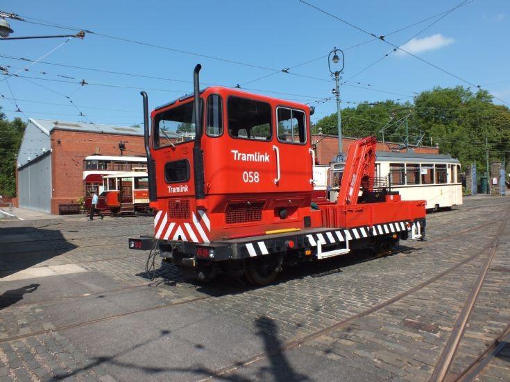 Diesel engined rescue tram