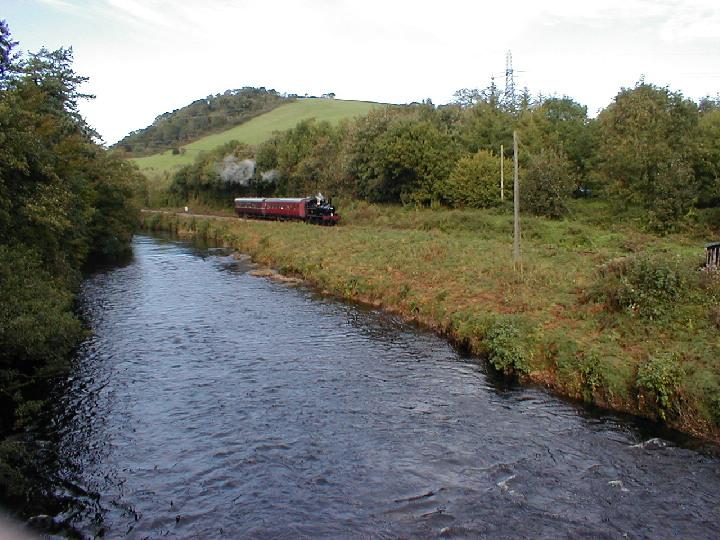 GWR 0-6-0T 1420 approaching Rivermead Bridge
