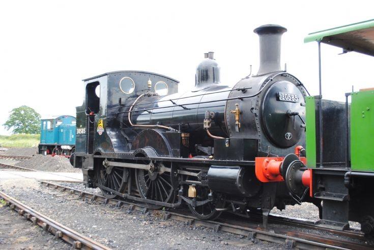 30585 2-4-0 Locomotive