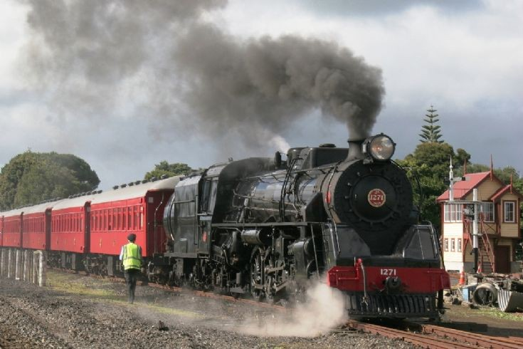 4-8-2 Ja 1271, Glenbrook Vinatge Railway - NZ