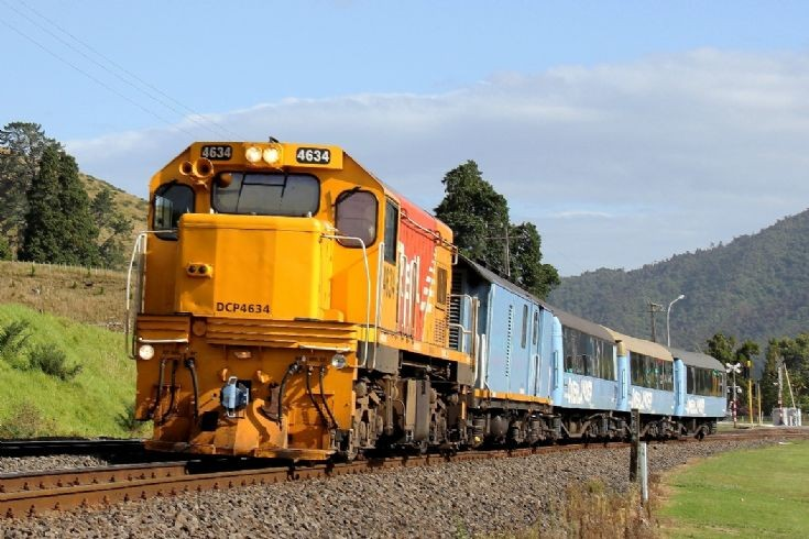 Huntly New Zealand  city photos gallery : Train Photos KiwiRail DCP4634 near Huntly New Zealand