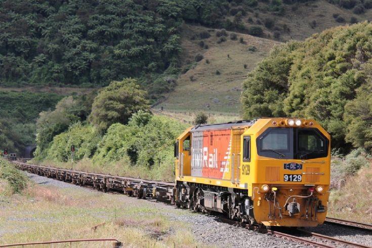 KiwiRail DL 9129 near Waharoa - New Zealand