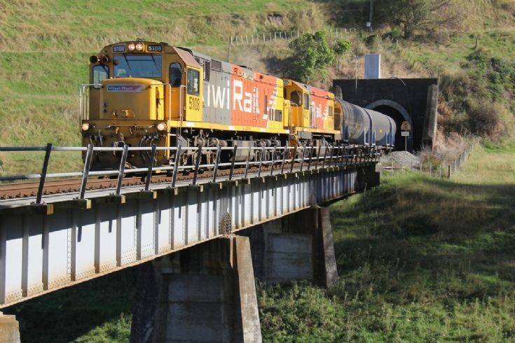 KiwiRail DXB at Turakina - New Zealand