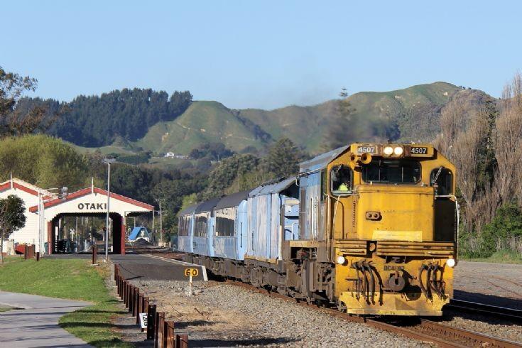 KiwiRail DC 4507 at Otaki - New Zealand