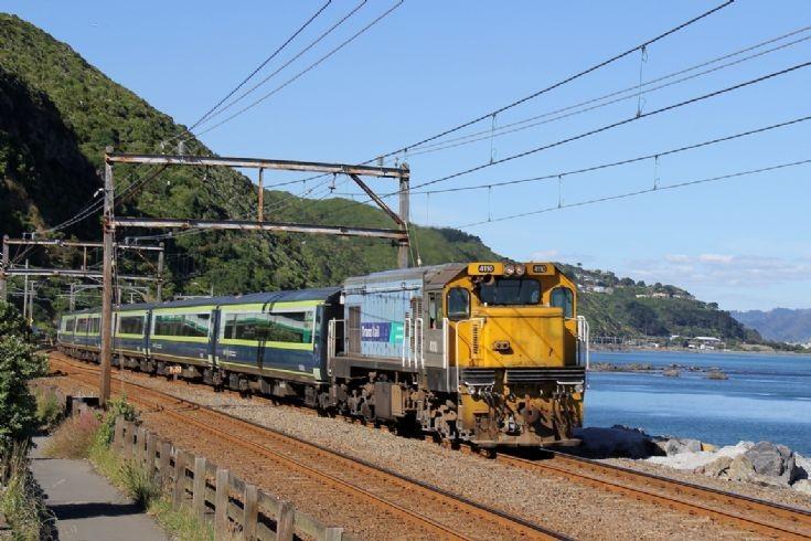 Tranz Rail DC near Wellington - New Zealand