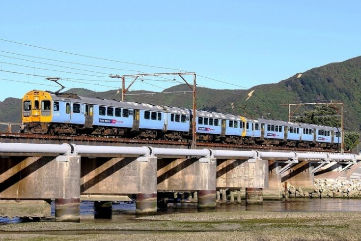 Tranz Metro ET at Lower Hutt - New Zealand