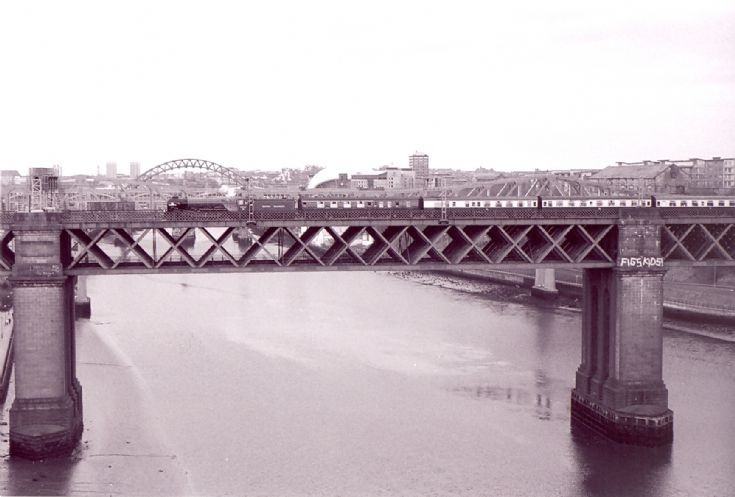 Bridge on the Tyne with 60163