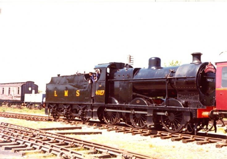 (4)4027 with The Wyvern Express??