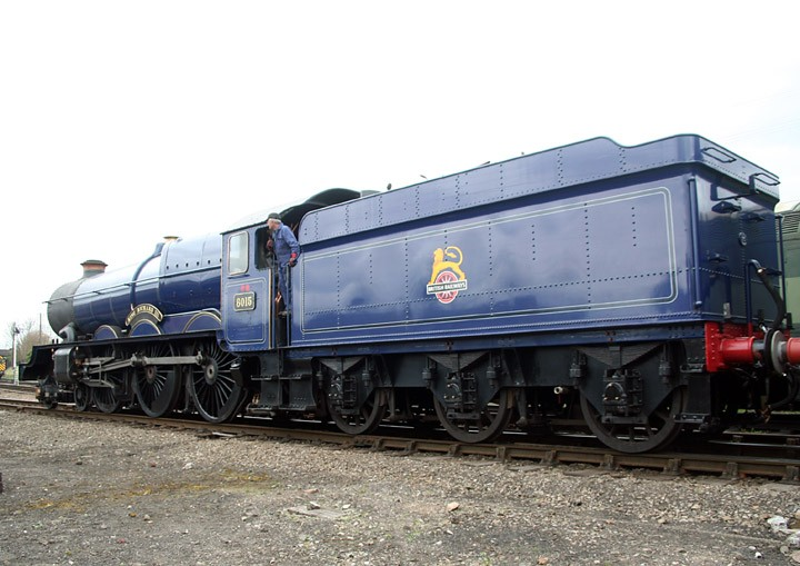 Rear view of blue '6015 King Richard III'