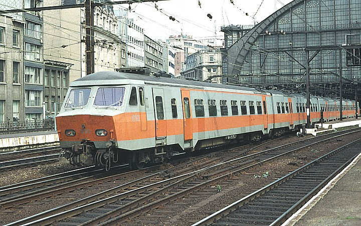 SNCB/NMBS 815