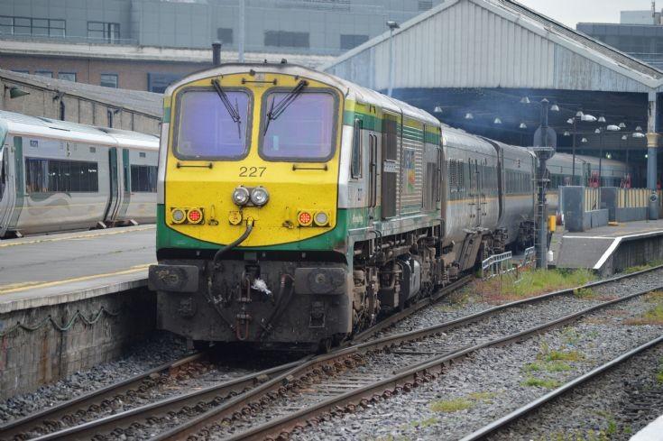 irish rail 201 class gm 227
