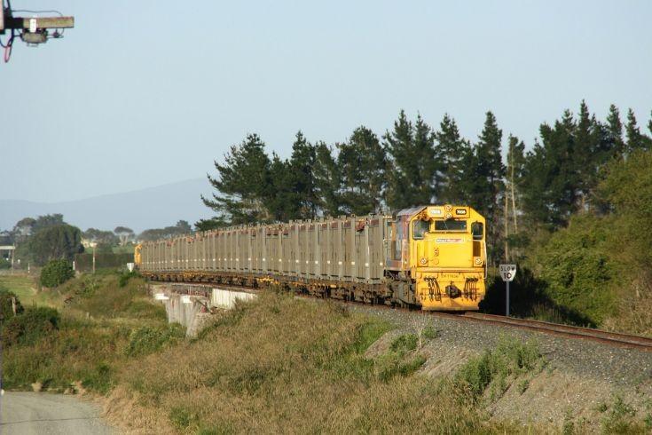 Kiwirail Nightcaps Coal Train
