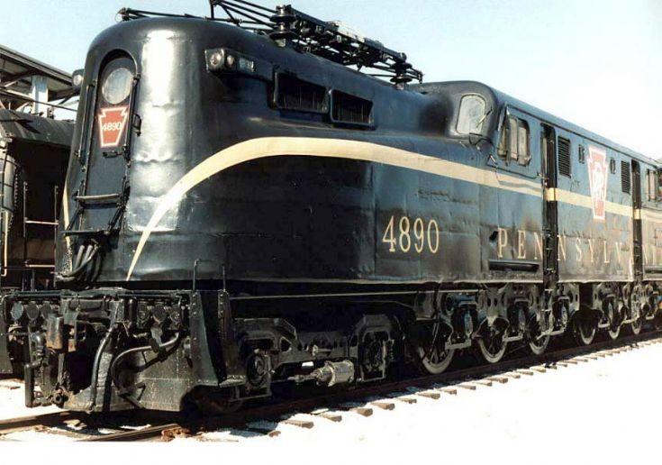 GG1 4890