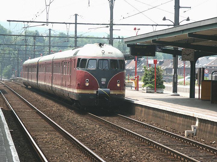 DB 688 121-3