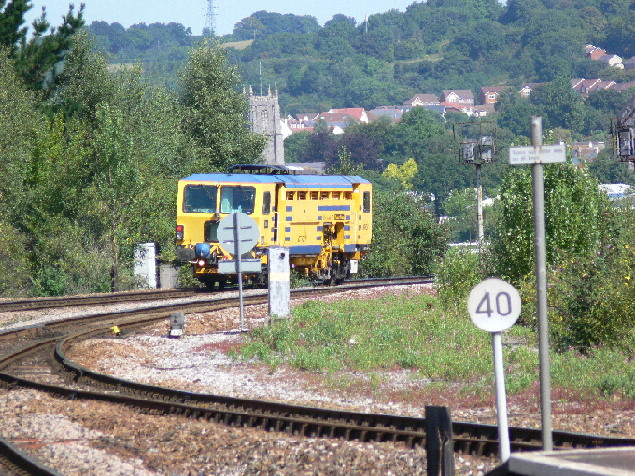 Is this a ballast tamping machine? At Newton Abbot