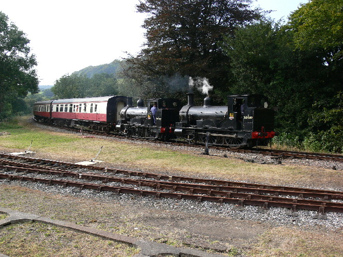 2 Beatties arriving at Bodmin Parkway station