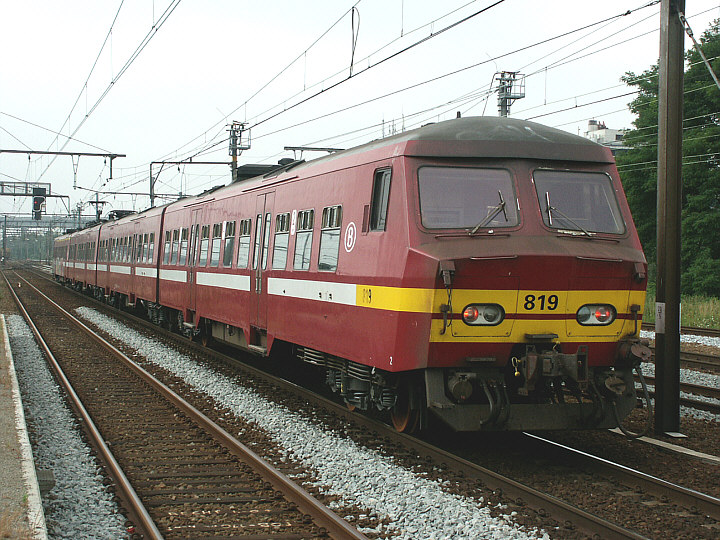 SNCB/NMBS 819