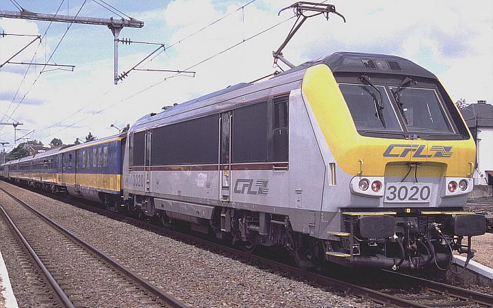 CFL 3020