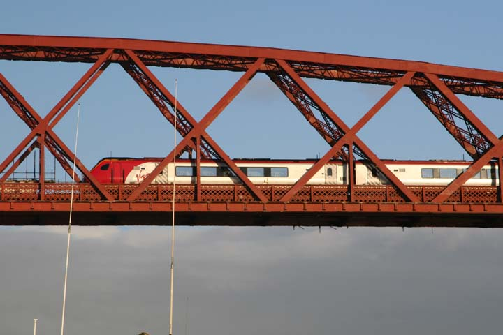 Virgin Trains Class 220 Forth Bridge Edinburgh