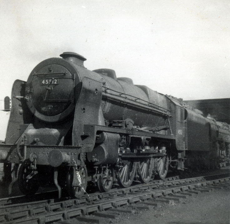 English steam locomotive 45512