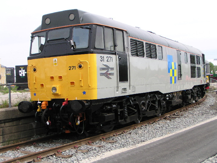 Class 31 31271 at York in 2004