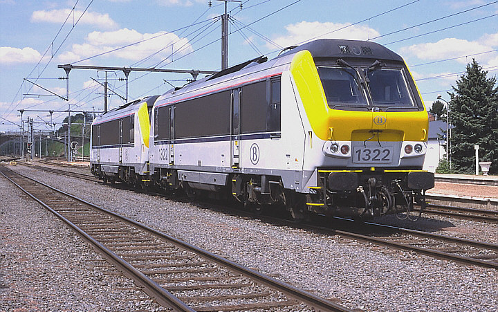 SNCB/NMBS 1322 + 1325
