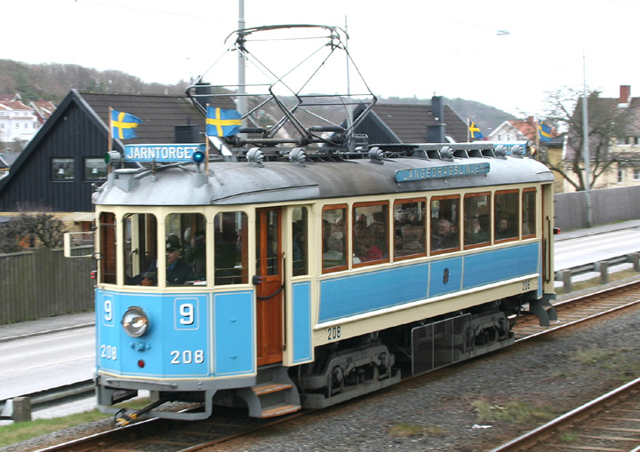 Gothenburg Tram No. 208 scurrying along