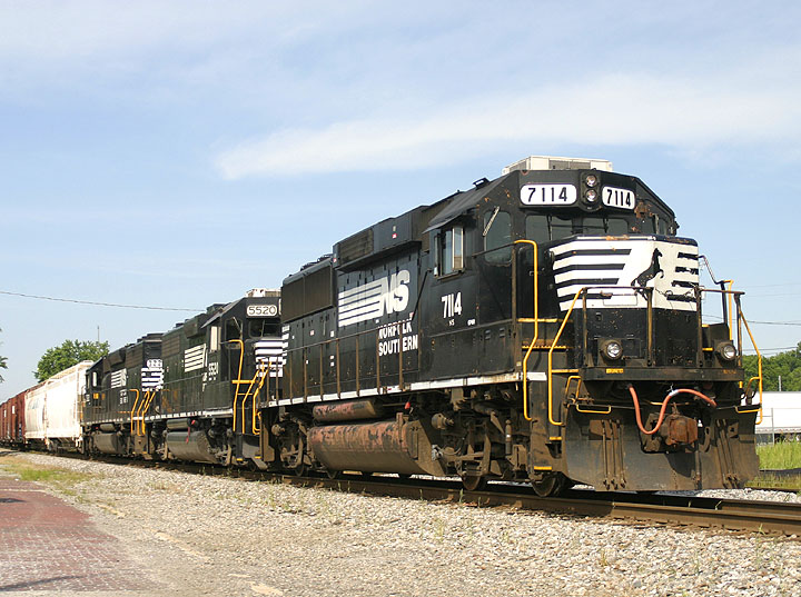 NS 7114 in Cleveland, Tennessee