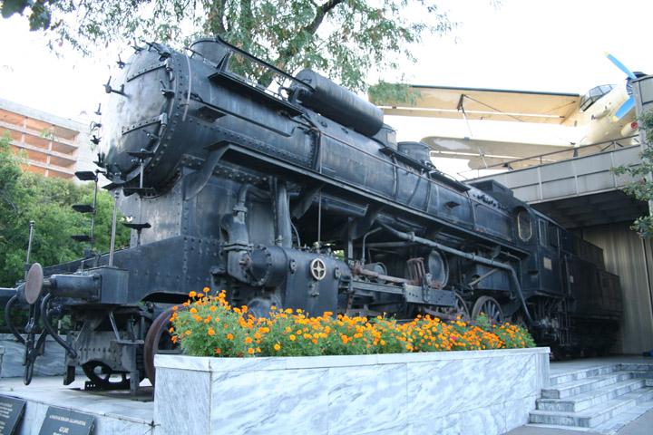 Class 424 4-8-0 steam locomotive 424.001