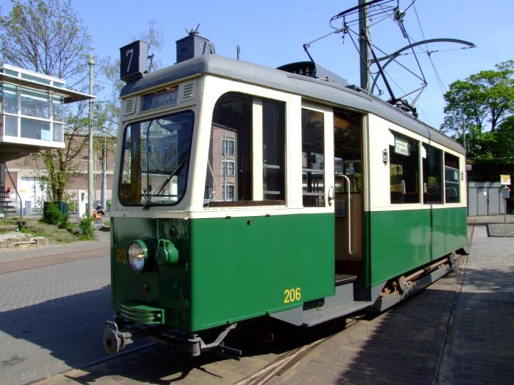 Tram 206
