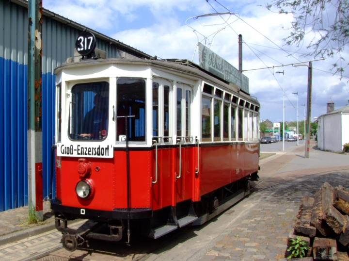 red and white Tram 2614
