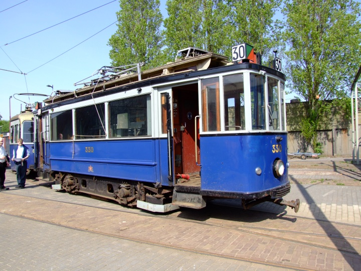 blue and white Tram 330